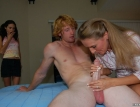 mother-daughter-handjov-1746