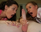 mother-daughter-handjov-1752