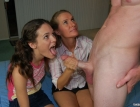 mother-daughter-handjov-1757