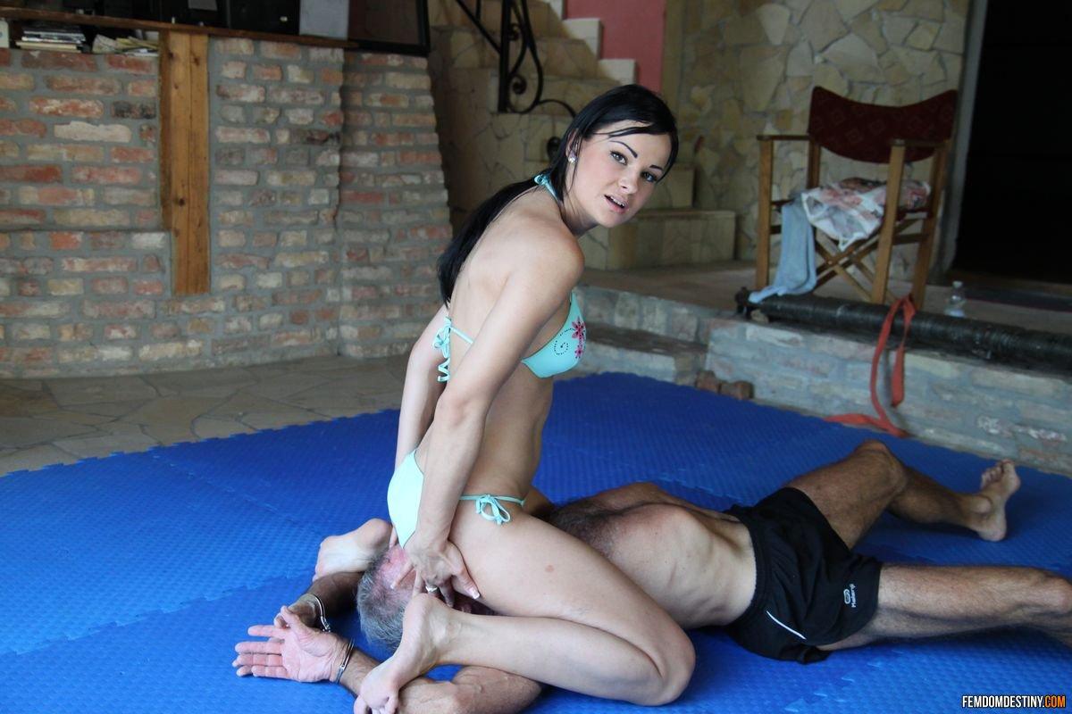 femdom wrestling pics