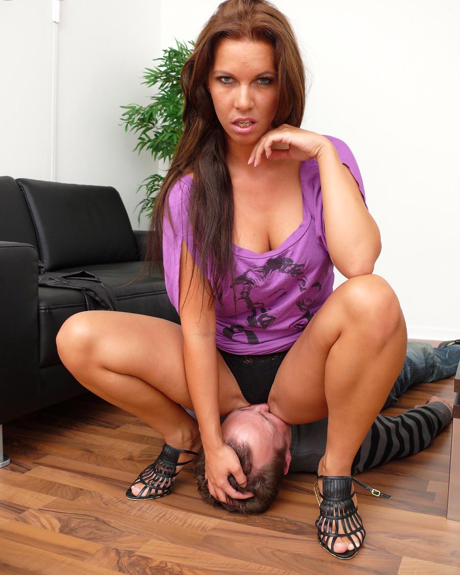 Sexy Facesitting Girl-6503