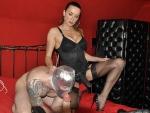 mature-femdom-mistress-humiliating-slave