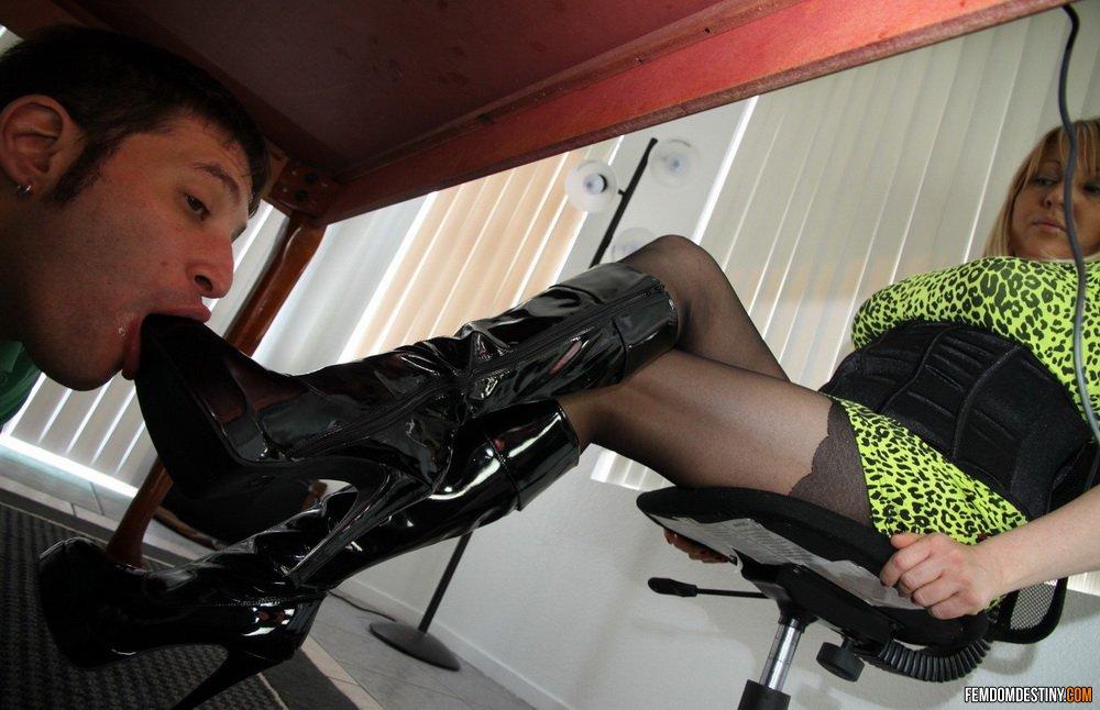 Thai escorts foot fetish femdom Fetish Escort Service by Kinky Thai Mistress in Bangkok, Yaya