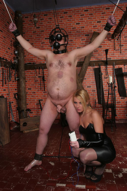 Kinky dominant
