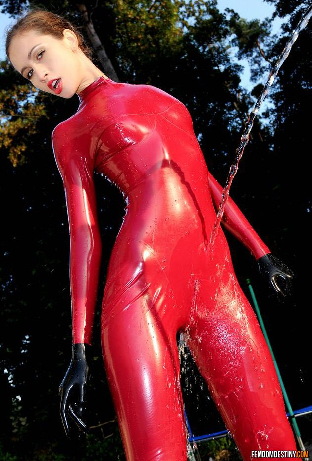 Young Latex Mistress-7137