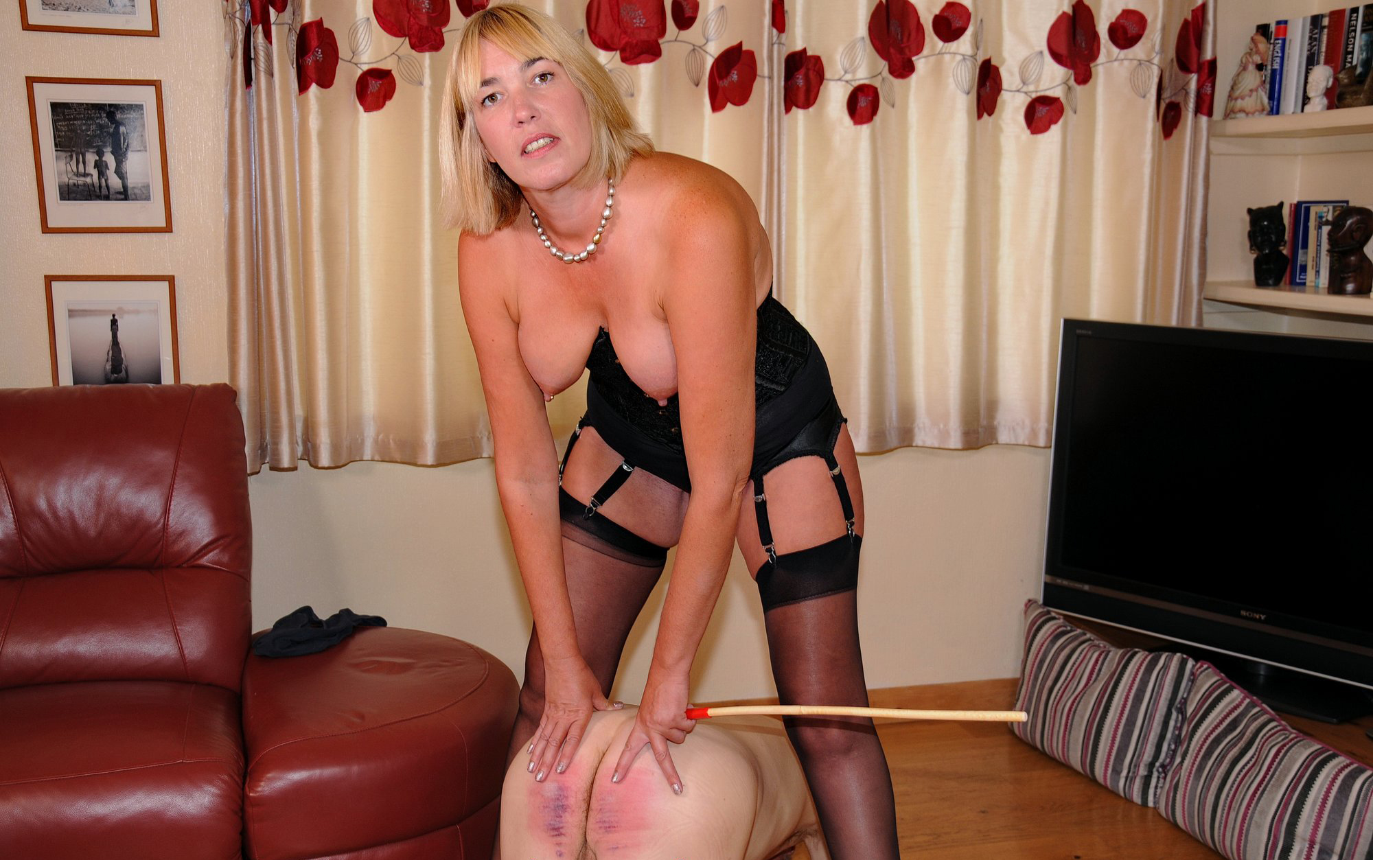 Cold Caning Exclusive Femdom Torture Photo Gallery-1990