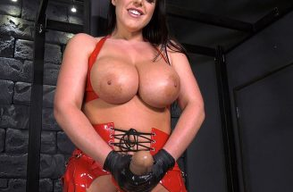 Busty Strapon Goddess