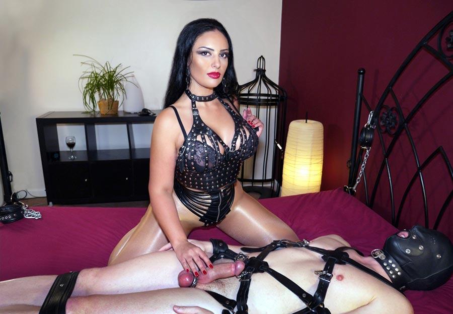 pntyhose dominatrix teasing slave