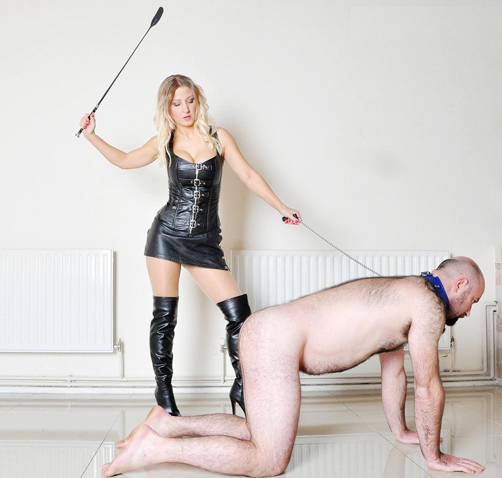 pantyhose female domination