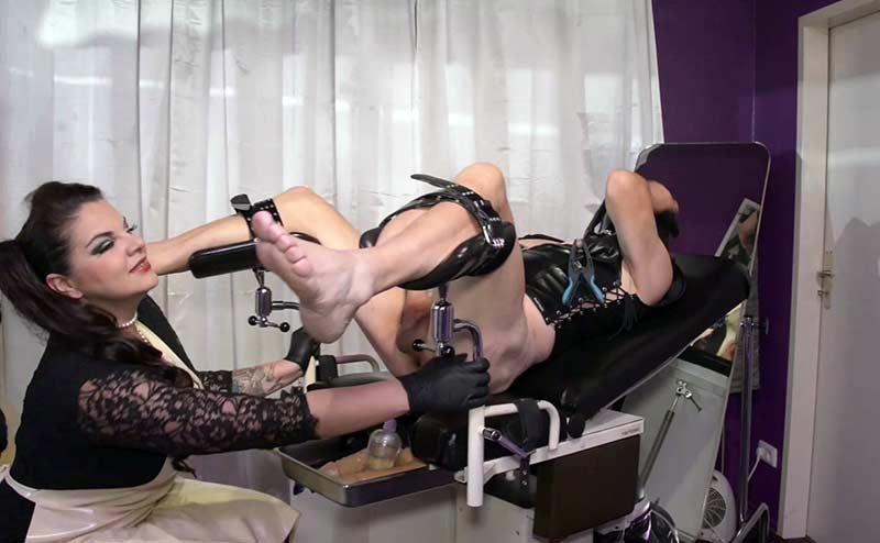 mature fetish lady medical exam