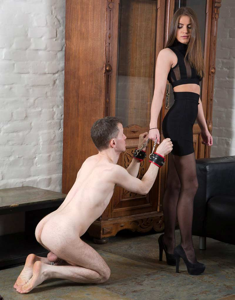 Femdom Licking Slave Trying To Please Young Hot Goddess In -3612