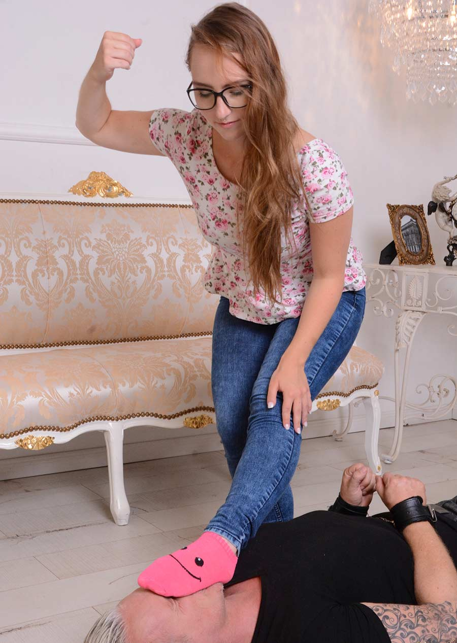 Goddess forcing slave to smell her pin socks