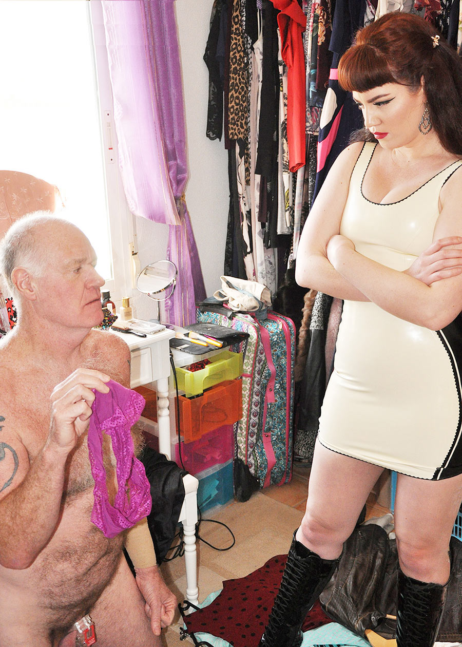 panty femdom slave