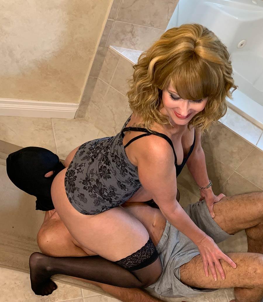 toilet facesitting humiliation